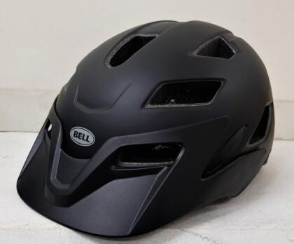 差すときにお子様のアゴを挟みにくいヘルメット!アメリカブランド<BELL> キッズ&ジュニアサイズ<SIDE TRACK>入荷しました!!