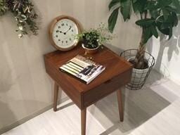 お部屋にあると便利なサイドテーブルのご紹介