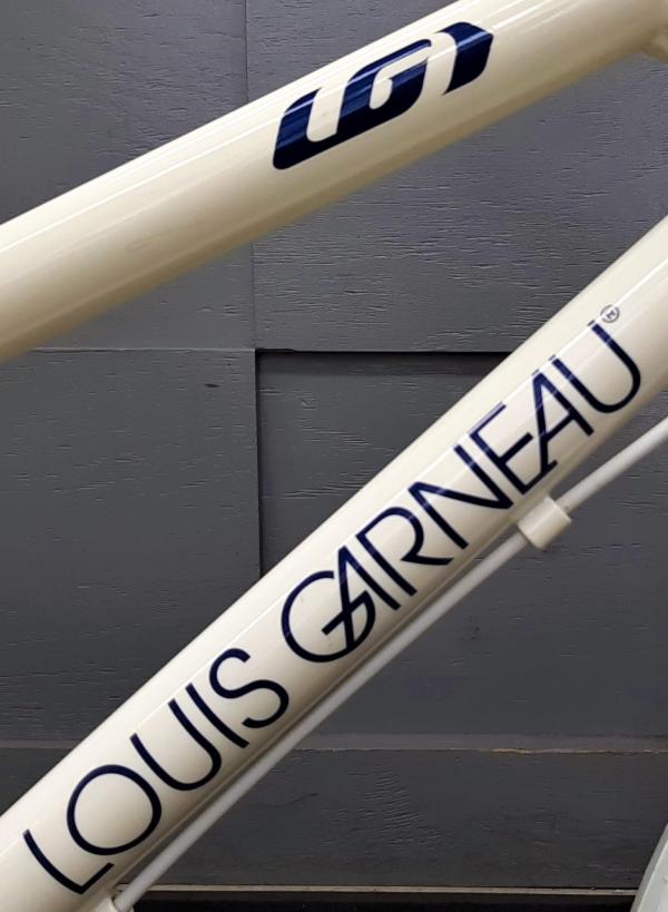 LOUIS GARNEAU < K16 lite > お取り寄せでご用意いたしました