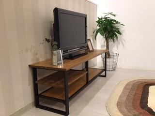 パイン集成材のカフェ風テレビボード